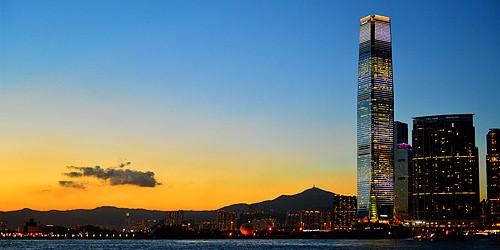 港股中的衣食住行系列之五 璀璨的香港地标