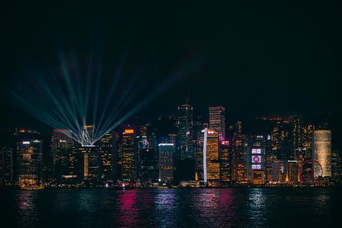 """访港人数同比暴跌99%!香港迎来最""""惨""""黄金周"""