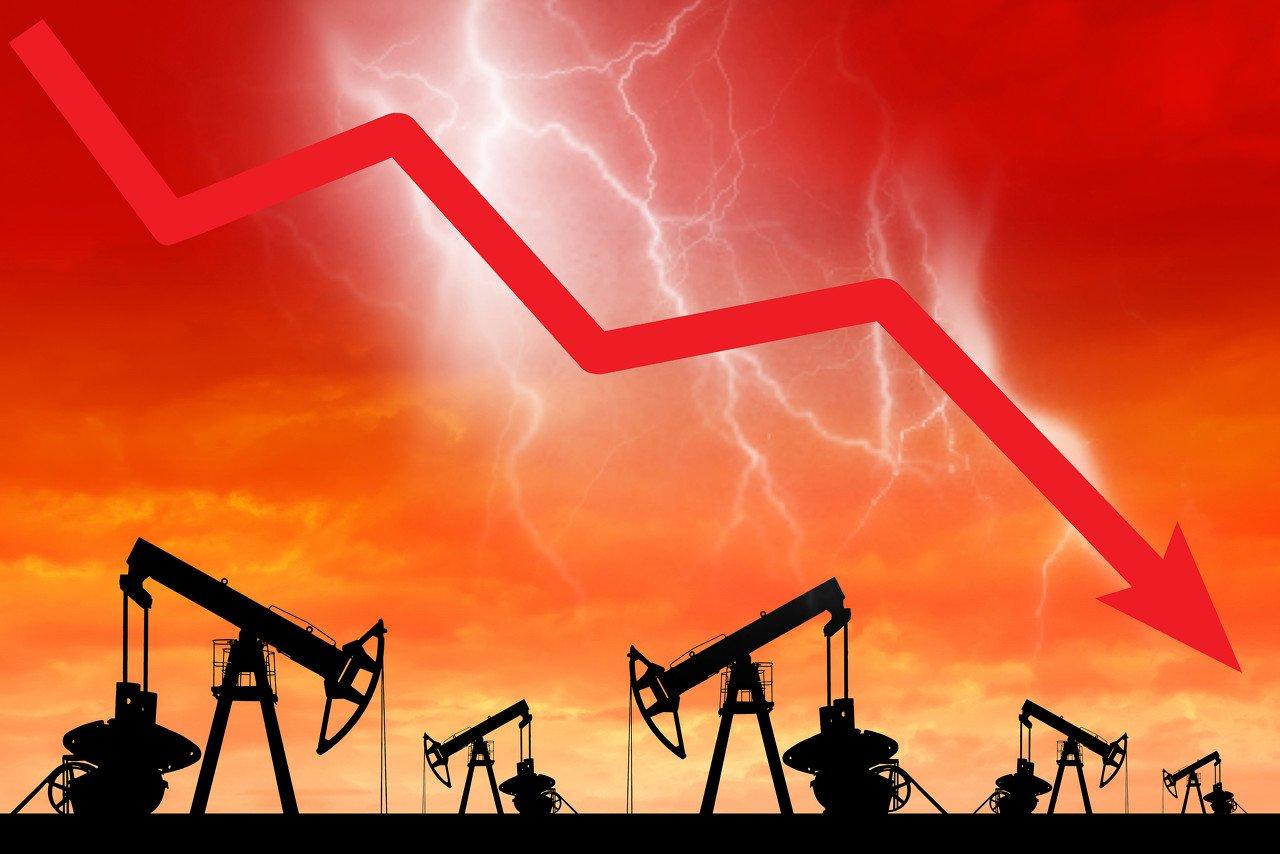 油价暴跌、航运费用飙升,超级油轮的好时候来了?