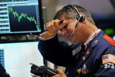 市场出现一个明显的信号!