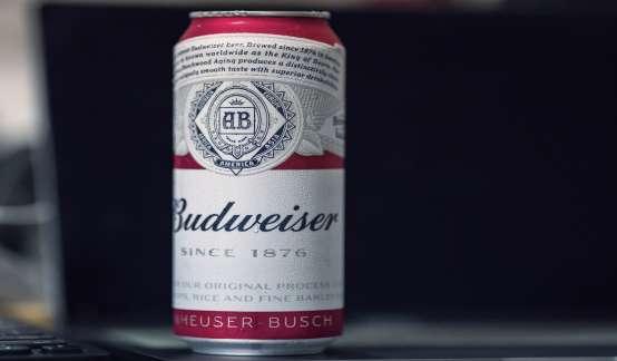 啤酒之王百威困局:日售16万吨酒负债千亿,派子公司上市圈钱还债