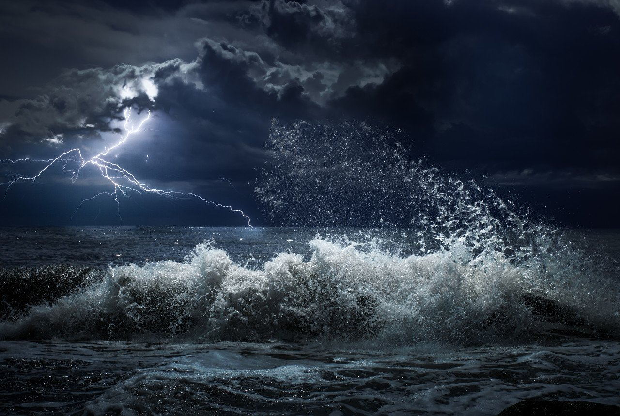 诡异的午后断崖式下跌:全球避险,山雨欲来