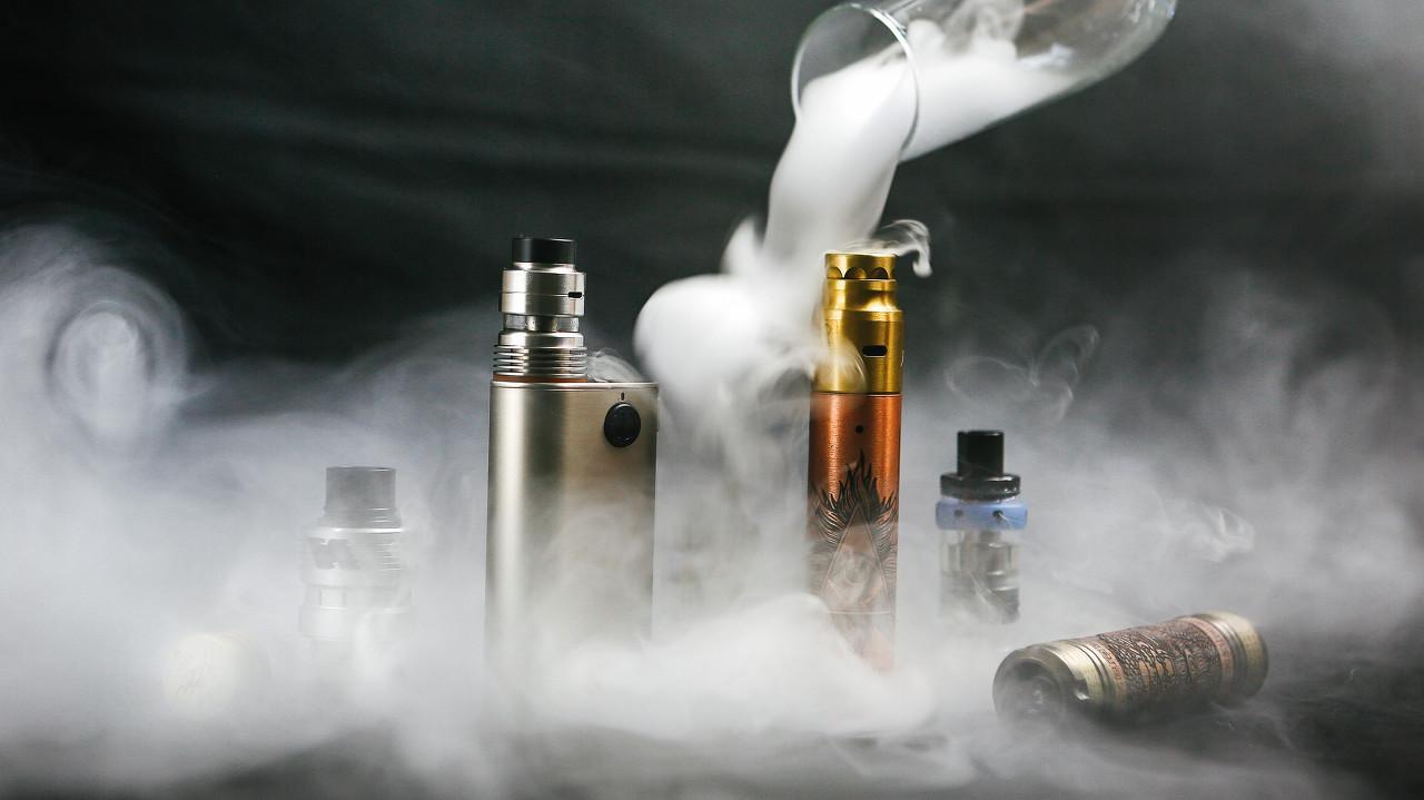 """""""断电""""后的电子烟:创业者表态支持禁令,但线下渠道并不可控"""