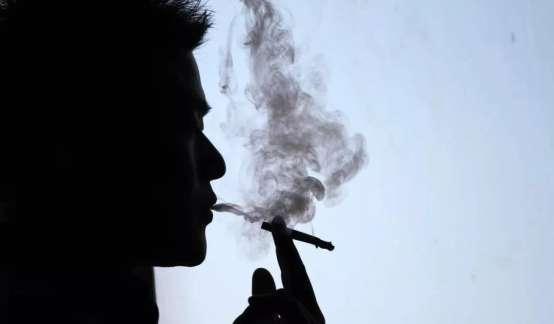 最赚钱的纳税大户, 中烟香港赴港敲钟