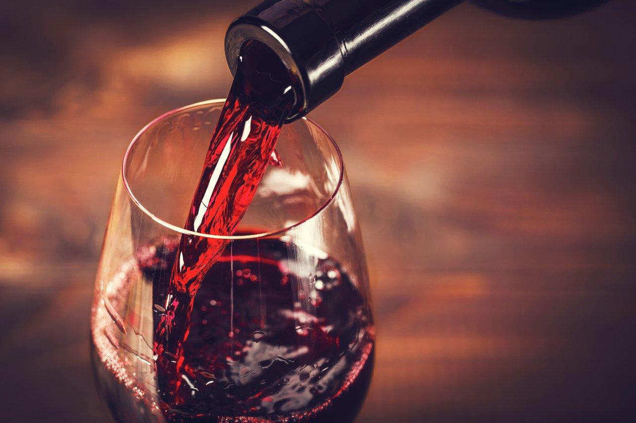 """""""股王""""亲兄弟也要上市,市场对茅台葡萄酒期待有多大?"""
