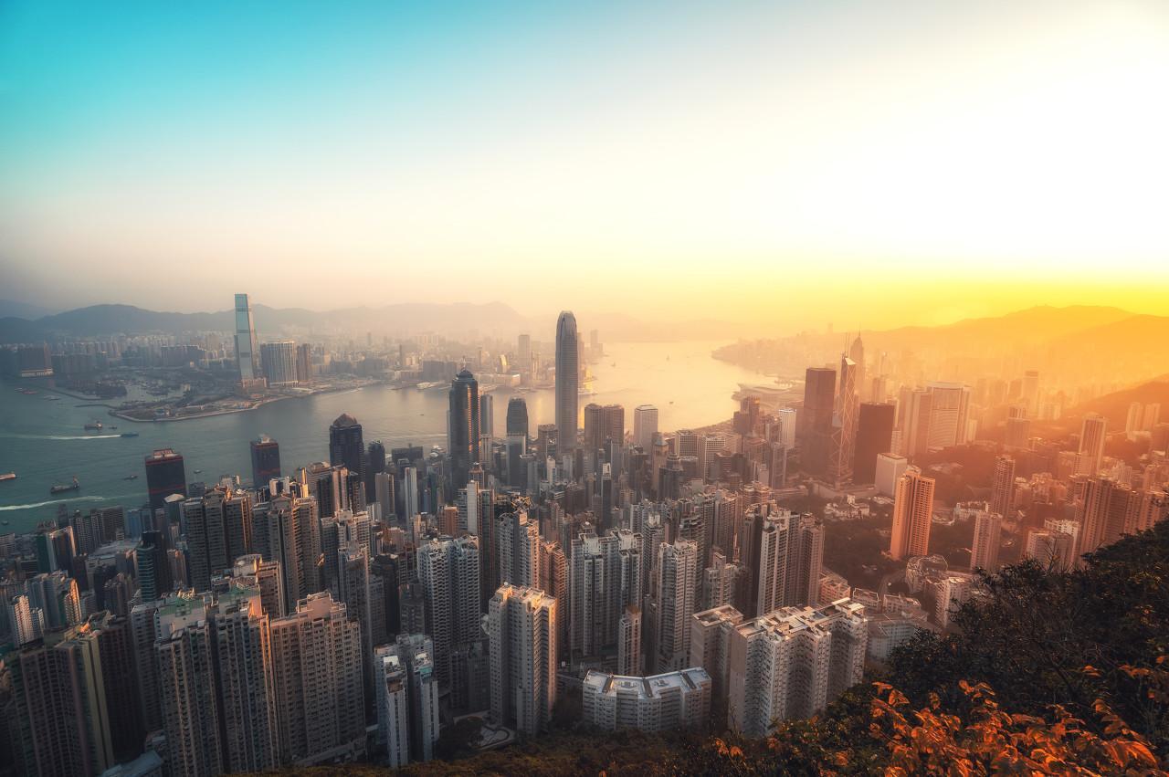 近30年沪深两市营收TOP100里的房企身影