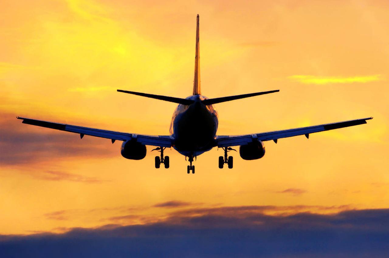 单月亏逾200亿!航空公司遭遇至暗时刻,混改预期升温,谁将率先逆风起飞?