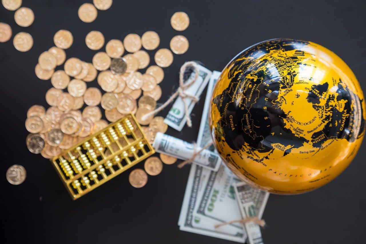 比特币突破2.3万美元,新估值模型显示高估50%以上