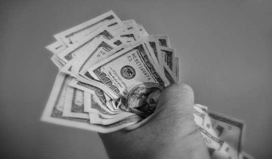 """新一轮美元泛滥或将加速全球""""去美元化"""""""