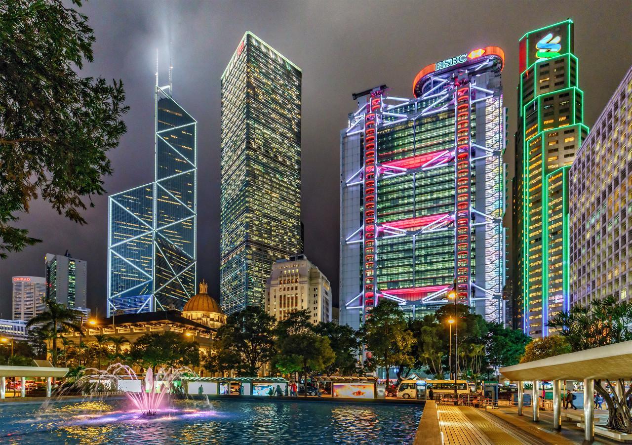 深圳楼市真实情况:两盘备案多天等开盘,线上售楼可30天无理由退房?
