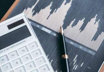 经济超预期放缓的下半年