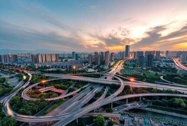刘鹤、易纲、郭树清等重磅发声:谈房地产市场风险、教育公平等热点话题