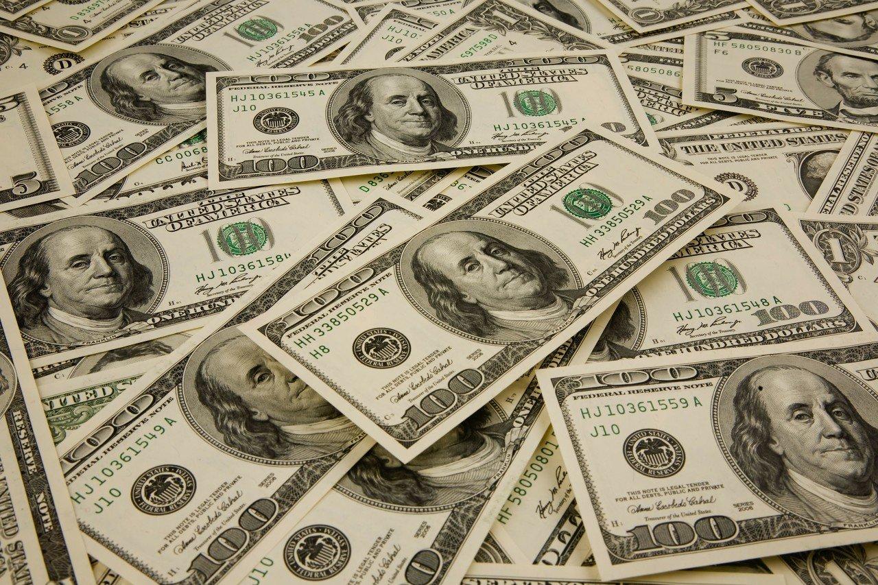 美国国会两党就刺激计划谈判濒临崩溃边缘!大规模支出或动摇美元储备地位