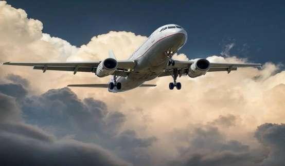 美国航空业:我真的飞不动了