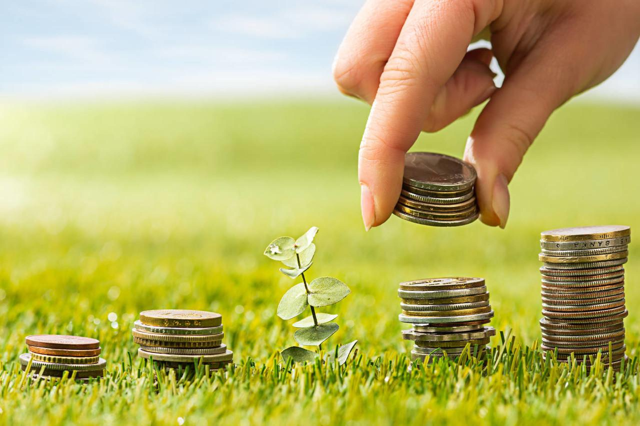 靳毅:企业发行利率多数下行,期限利差持续收窄