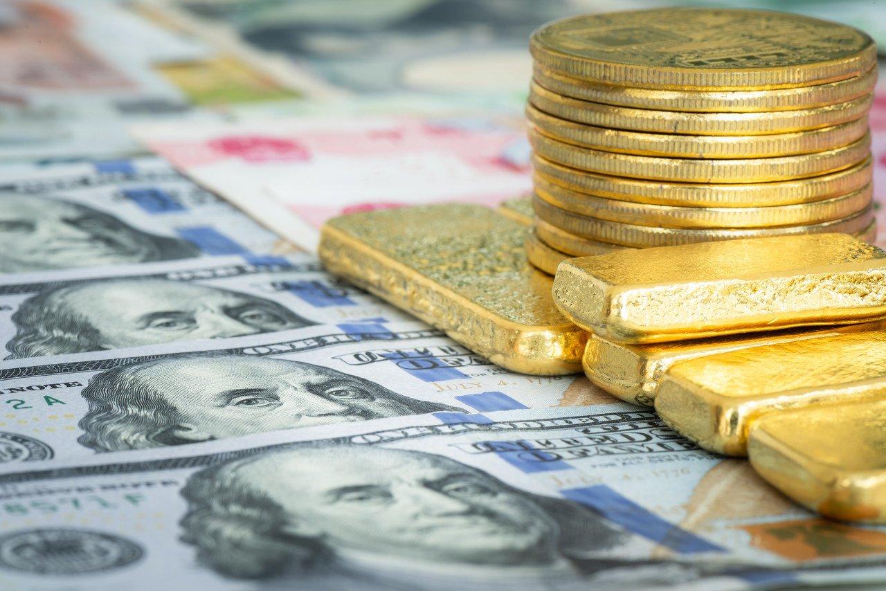 黄金和美股同步的局面即将打破,分析师建议卖股买黄金