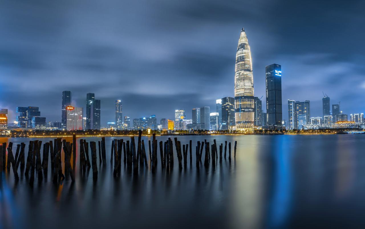看完深圳湾1号这套过亿的房子,我只想去那里当保姆