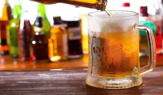 啤酒股集体走强 青岛啤酒(600600.SH)大涨8%