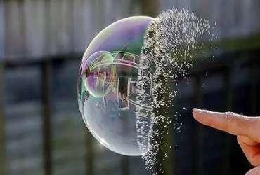 2000年互联网泡沫破灭正在重演?