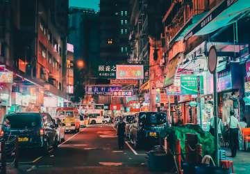 我亲自到深圳和东莞走了一圈,觉得香港该醒一醒了