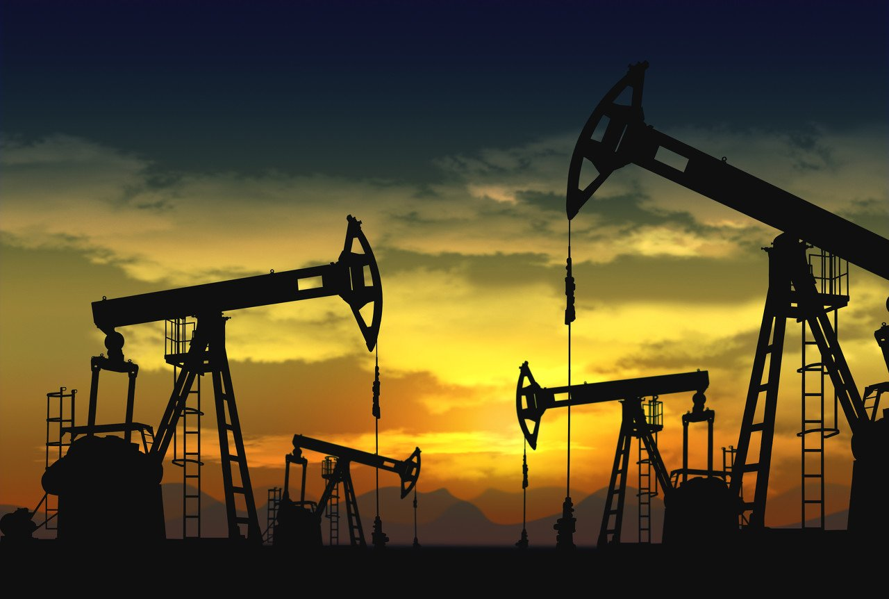The end of the petroleum age and the rise of mineral resources