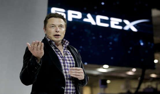 马斯克:最多4年人类将重返月球