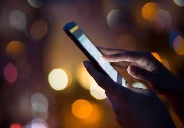 """""""烫手""""的5G手机,让这个小行业迎来大机会"""