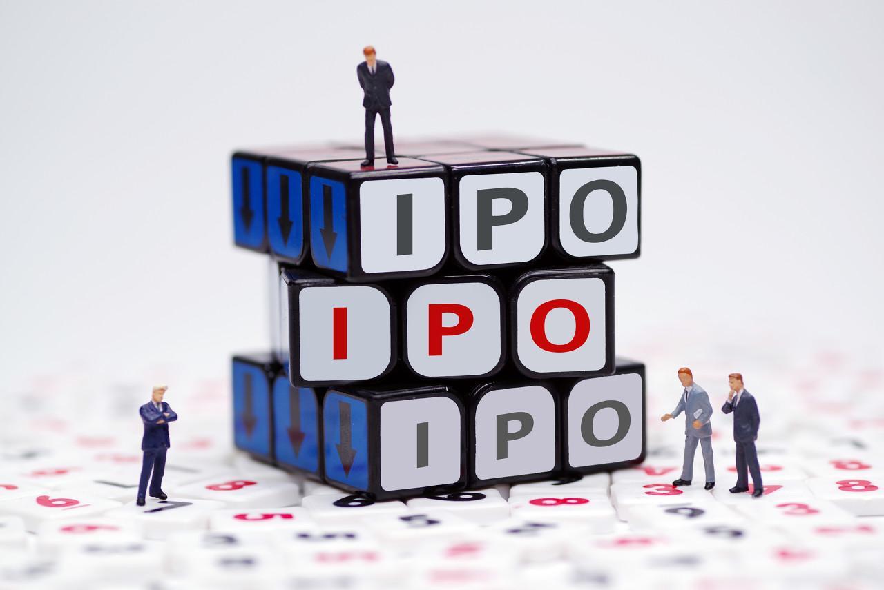 霸气徐新,一连拿下两个IPO