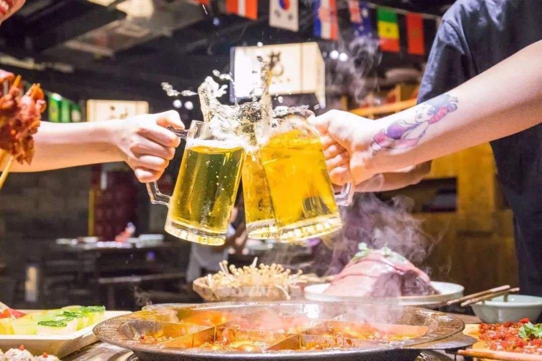 嘉士伯拟注入11家酒厂,重庆啤酒搅局高端市场有望?
