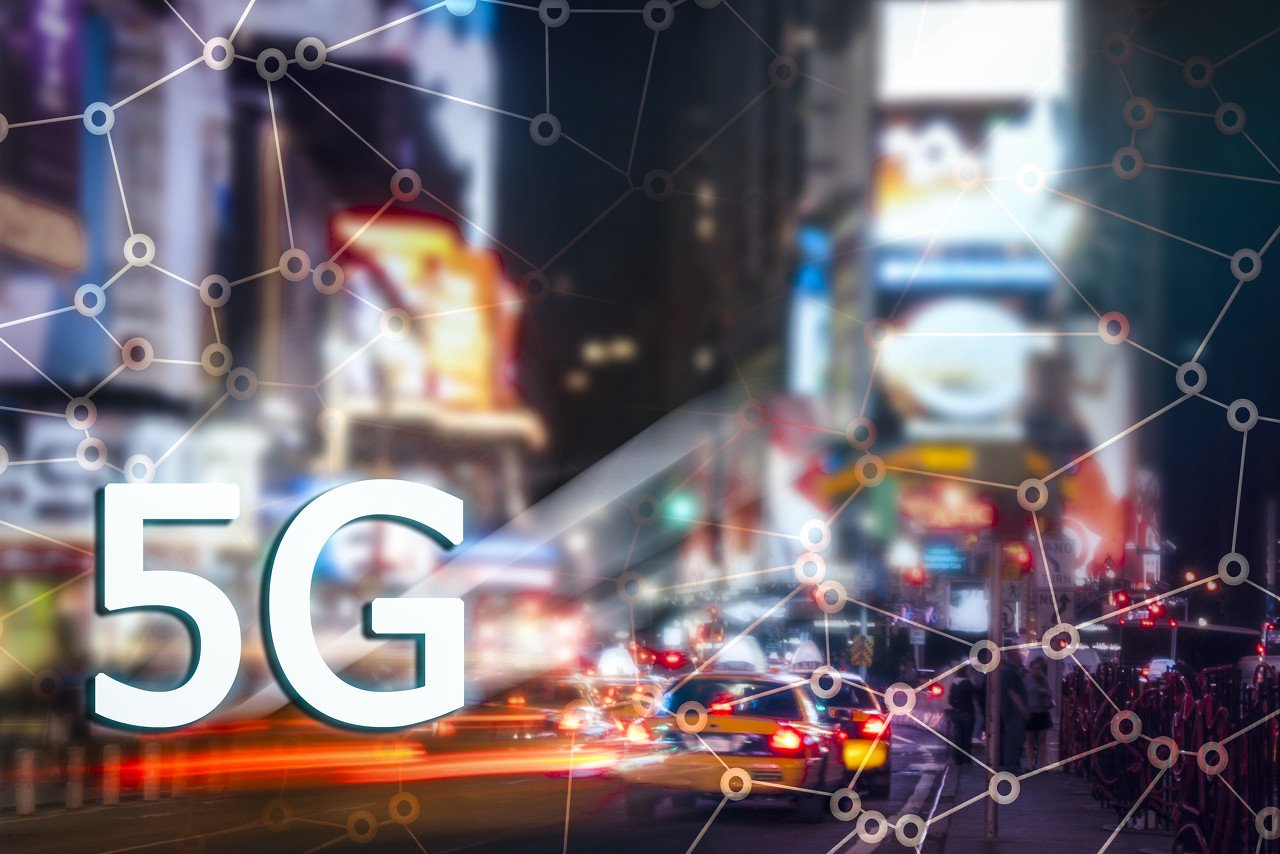 Why is the turning point of the 5G plate right in front of you?