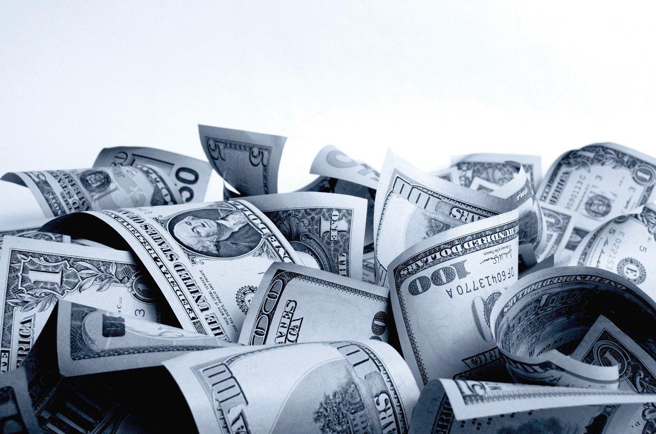 早报 | 飙升!蔚来汽车大涨逾20%再创新高;美财政刺激方案陷僵局;中国9月社融规模增量3.48万亿;蛋壳公寓回应跑路传闻