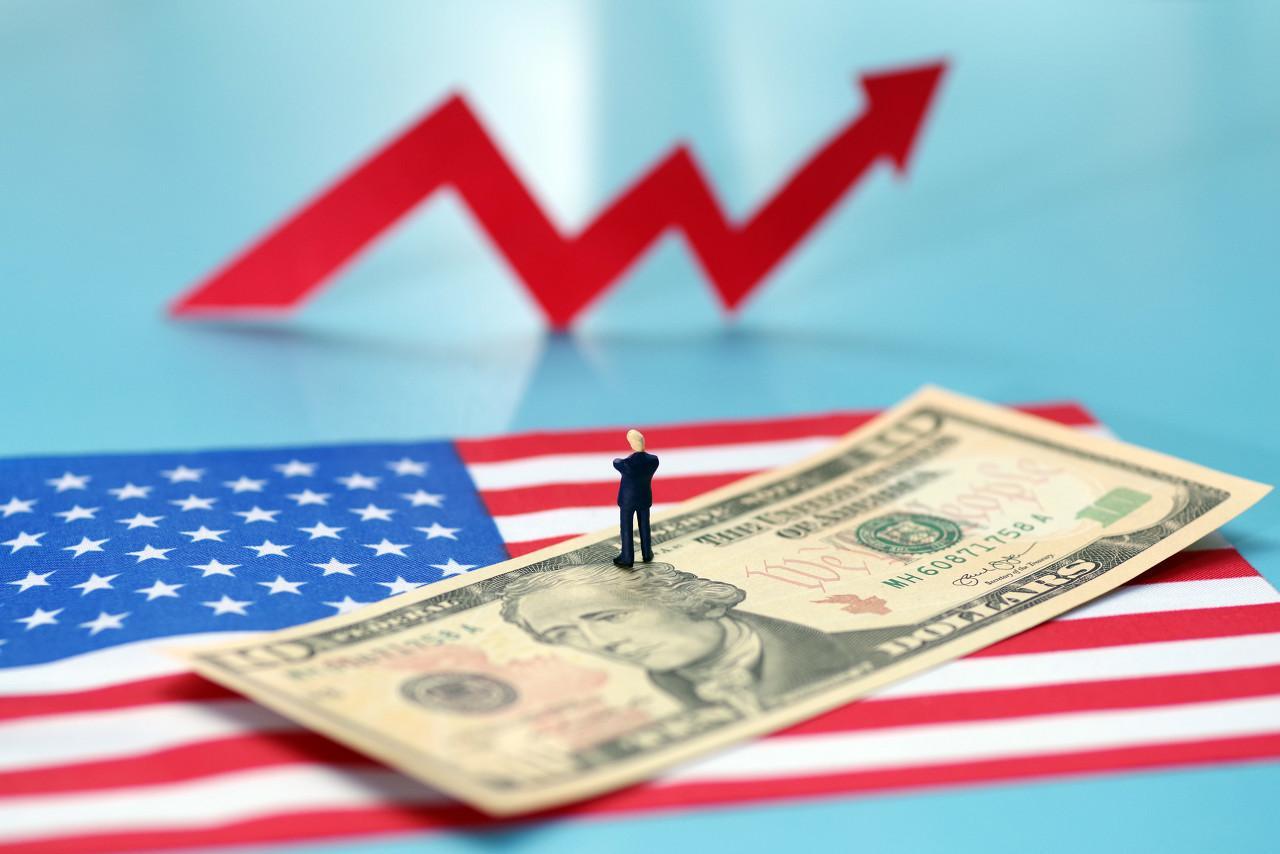 美国债务连创新高,这个锅谁接?