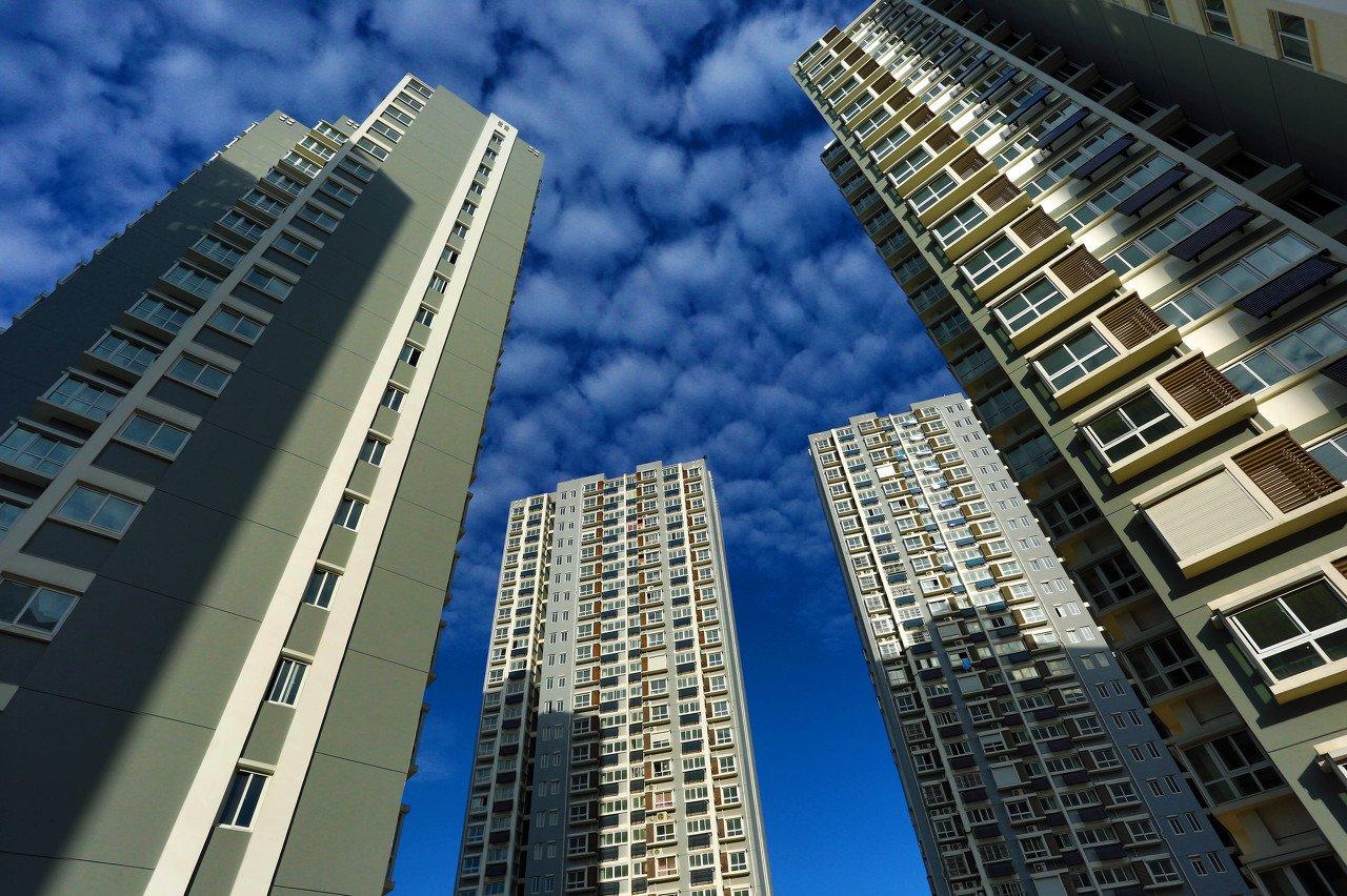 以房价收入比、杠杆率与负债率看居民购房能力变化对今年市场分化复苏影响