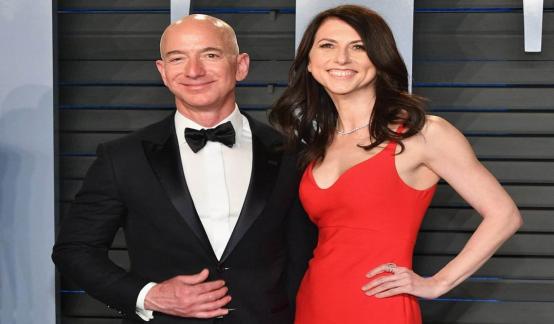 """身家超620亿美金!贝索斯前妻成美国女首富,背靠亚马逊""""好乘凉"""""""