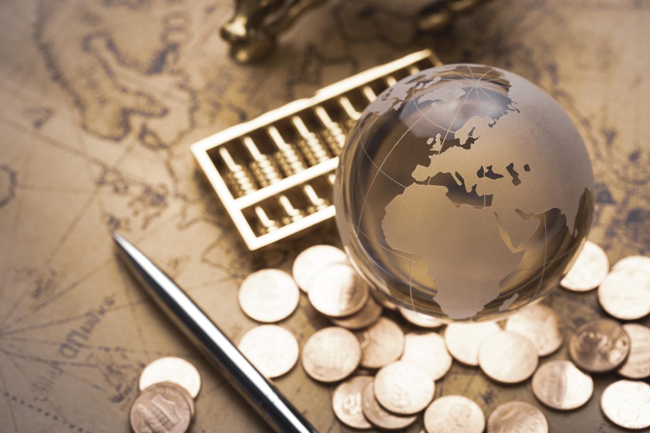欧美央行均给予低通胀风险以更大权重