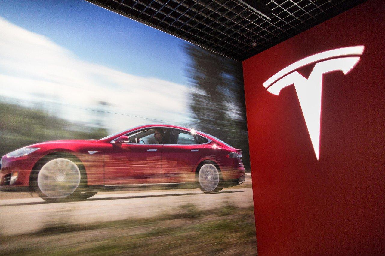早报 | 又出问题!特斯拉召回近5万辆Model S、Model X!深交所严密监控可转债交易;华为前三季度营收6713亿元