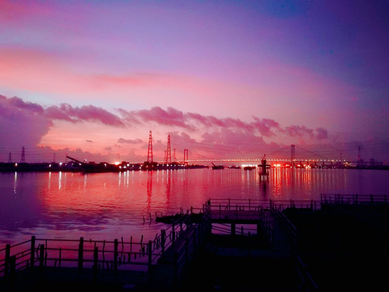粤港澳大湾区:打造国际一流湾区和城市群