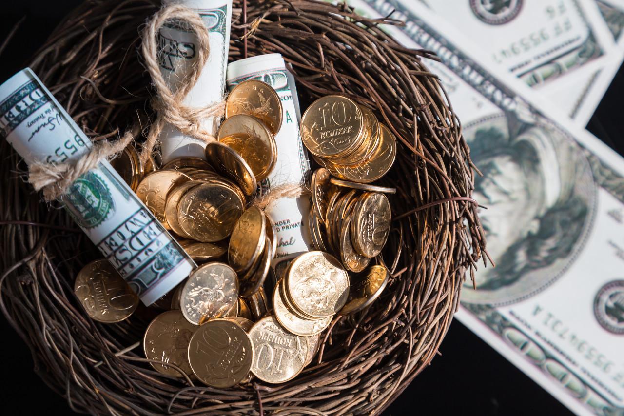 爱透支的美国人开始存钱了:储蓄率上升是喜是忧?