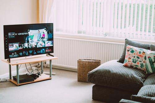 营收规模或超过450亿!智慧屏开启2020年智能电视新局面