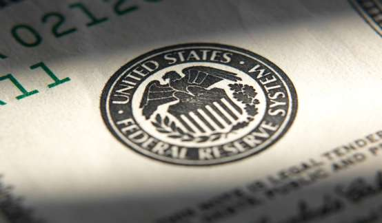 美联储决议:经济已朝缩减QE取得进展,鲍威尔称不急于收紧政策