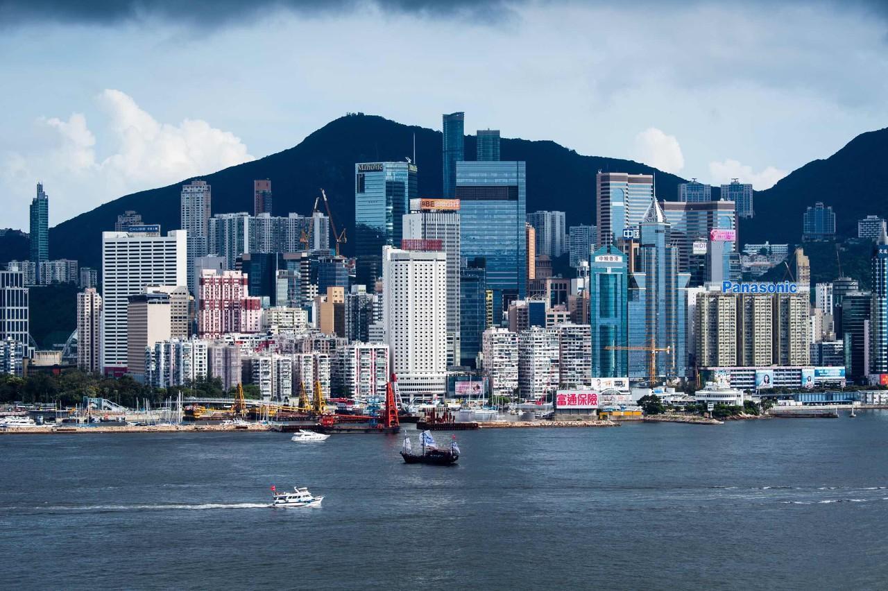 重磅!香港5日起实施《禁止蒙面法》,恒指一日惊魂