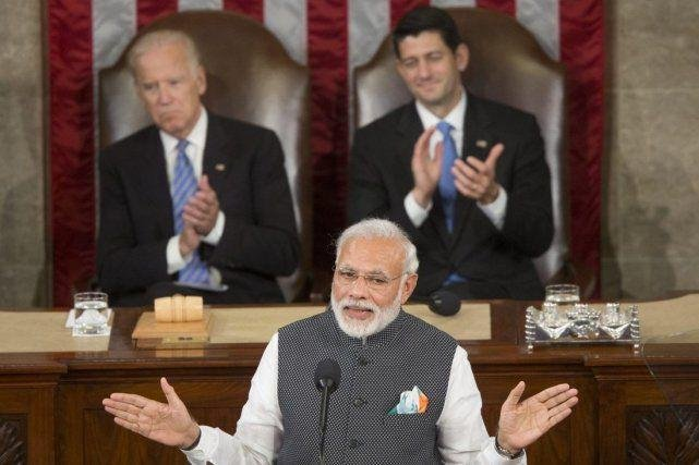 印度疫情失控,谁在笑?