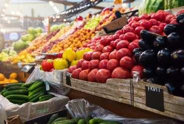 年亏31亿的叮咚买菜也敢上市?全靠软银红杉撑腰!