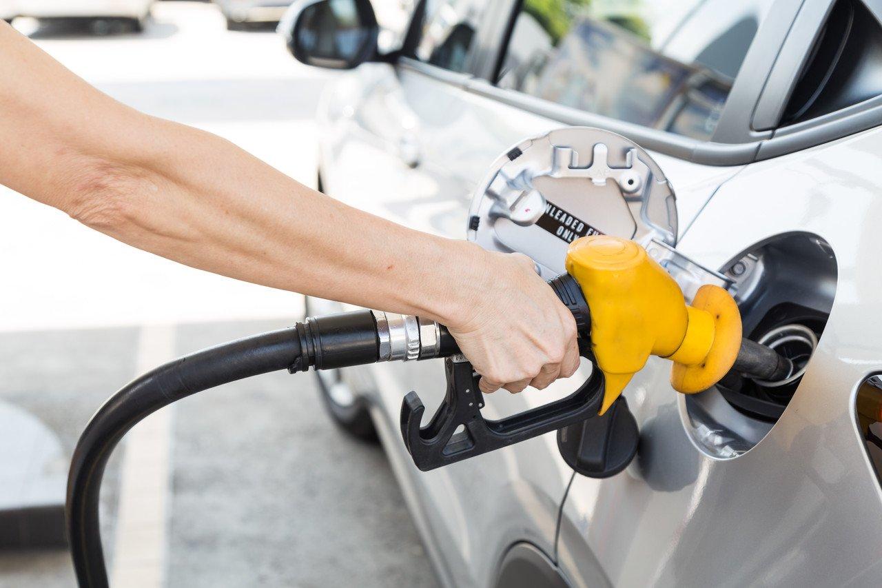 """调价窗口将开启 国内油价或迎年内首次""""两连涨"""""""