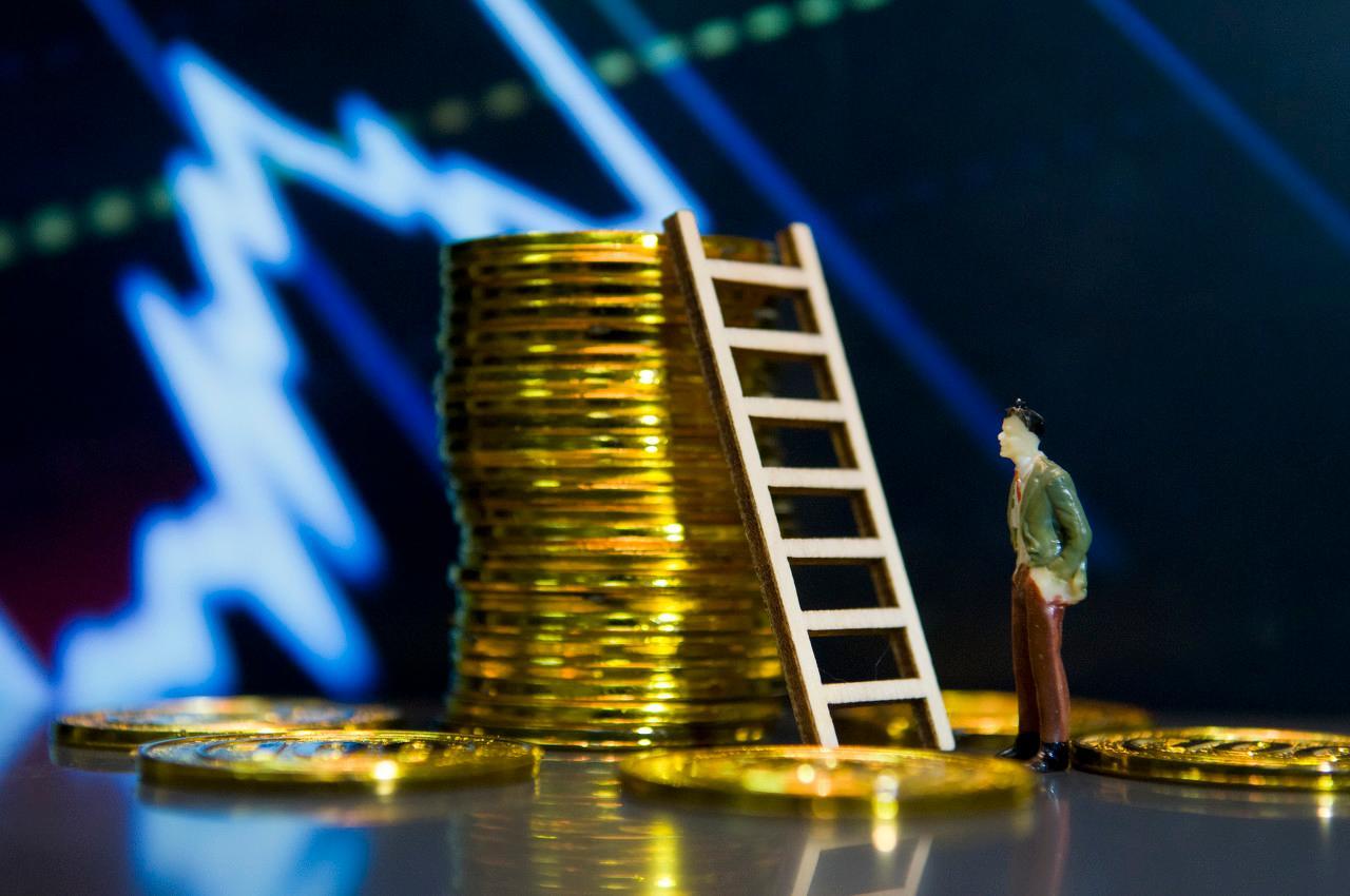 全球大跌,机构紧急解盘:A股中期有望出现黄金坑!