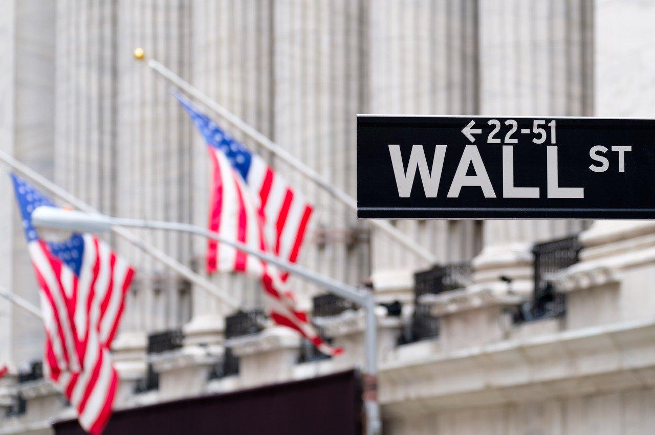 """疫情""""摧毁""""了全球经济,华尔街却赚翻了"""