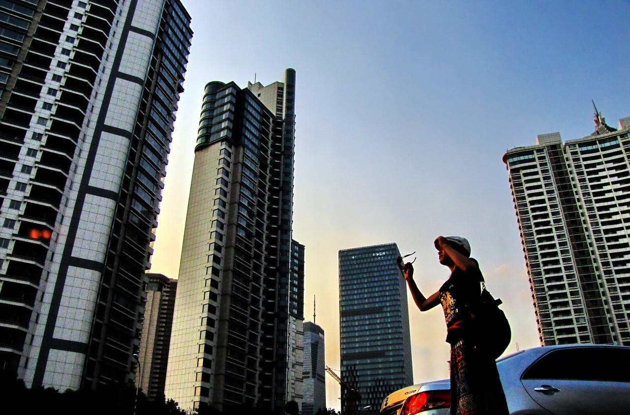 如何看待房地产市场有量无价?