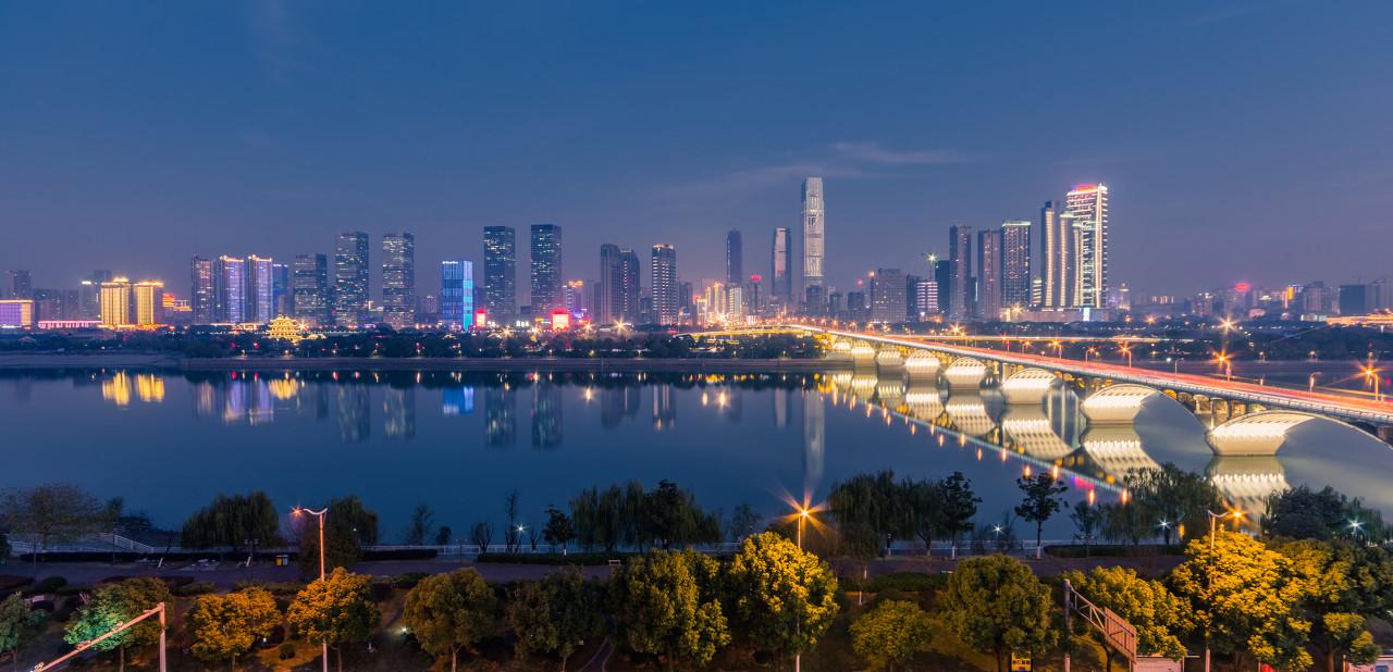 半年卖地1400亿,杭州土拍新政是断臂求生还是作茧自缚?